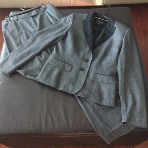 Anne Klein suit ( Blazer and Pants )